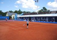 Tenisové campy s turnajmi